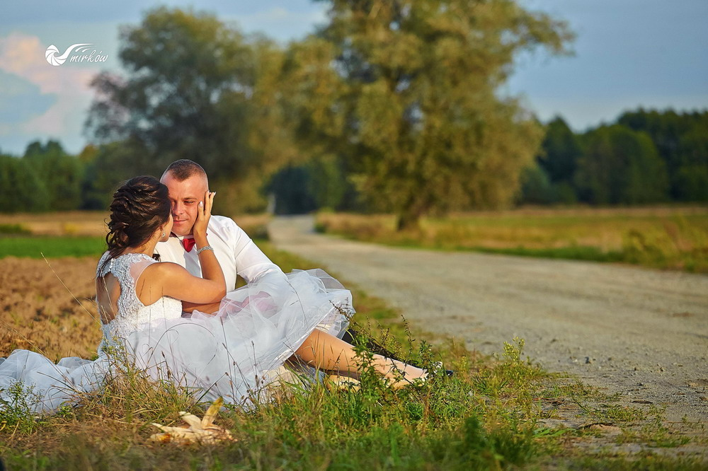 Plener ślubny videomirków polna droga