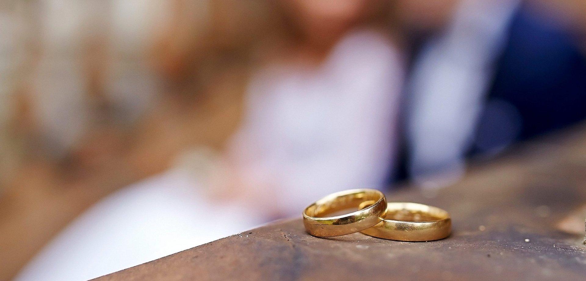 Plener ślubny videomirków obrączki