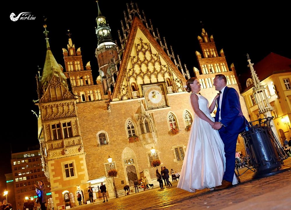 Plener ślubny videomirków Wrocław nocą